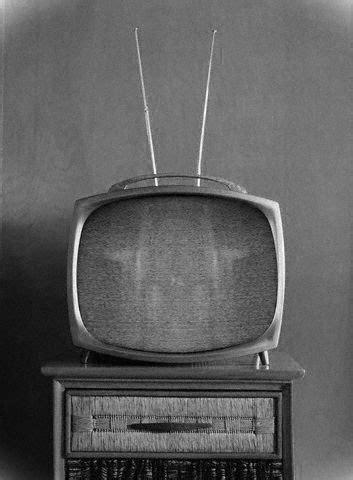 Modernidad De La Antiguedad Domestica: HISTORIA DEL TELEVISOR