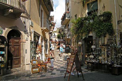 giardini naxos catania day tour to taormina and castelmola from catania