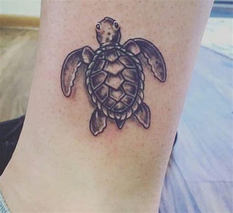 25 schildkr 246 ten tattoo ideen bilder und bedeutungen