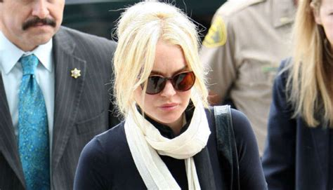La Da Lindsay Lohan Wont Be Charged With Theft by Lindsay Lohan S Felony Reduced To A Misdemeanor The Blemish