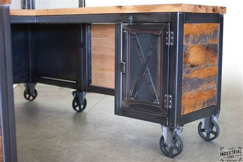 Reclaimed Wood & Steel Reception Desk ? Real Industrial