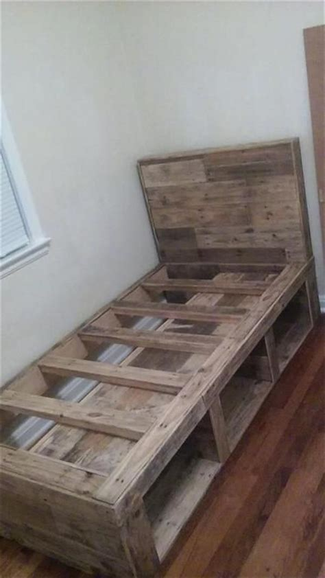 Pallet Futon Frame by Simple Ideas For Pallet Wooden Bed Recycled