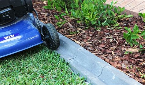 Landscape Edging You Can Mow 6 Step By Step Tips For Great Garden Edging Homehub