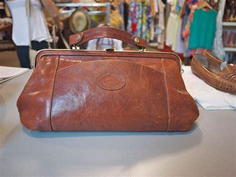 vintage oroton doctors bag         oroton