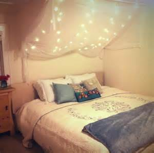 Canopy Bedroom Lights 28 String Lights Ideas For Your D 233 Cor Digsdigs