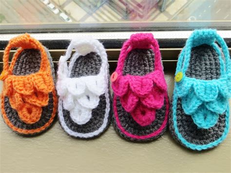 crochet sandals for baby crochet dreamz crocodile st baby sandals or booties