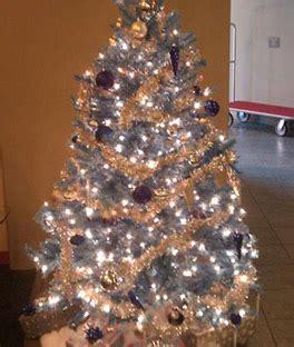 decoração de arvore de natal azul e dourado 193 rvore de natal azul 25 ideias incr 237 veis dicas de como