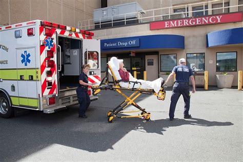 uconn emergency room uconn health earns gold award for attack care uconn today