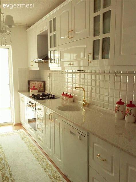 pin beyaz modern mutfak tezgah tasarimi on pinterest beyaz mutfaklar modern veya country stil parlak veya mat
