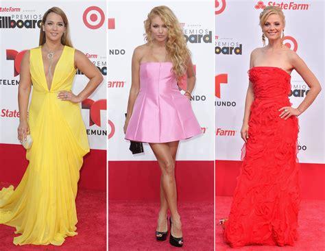 la moda y el en la alfombra roja de los premios billboard la moda y el en la alfombra roja de los premios billboard