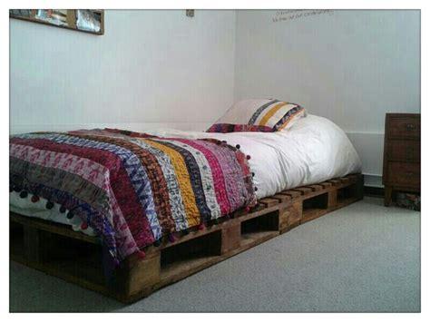 cama con estibas cama de pallet check pinterest pallets