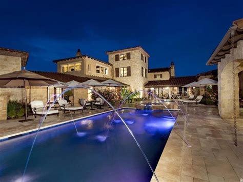 world villa  modern appeal  sale  el