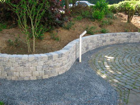 obolith bruchsteinmauer 2 seitig konischer stein