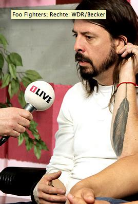 dave grohl feather tattoo dave grohl feather seen on his tattoomagz