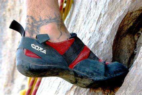 how to buy rock climbing shoes rock climbing shoes step by step purchasing guide for