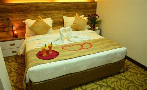 honeymoon in hotel room deluxe honeymoon room pearl hotels