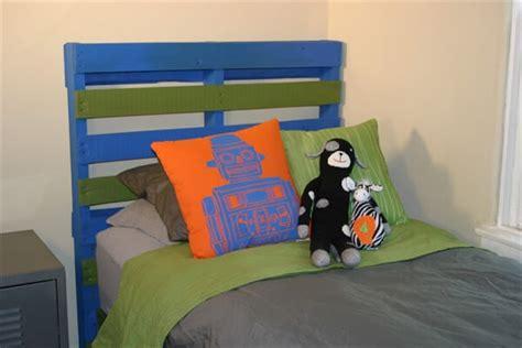 diy headboard ideas for kids 27 diy pallet headboard ideas 101 pallets