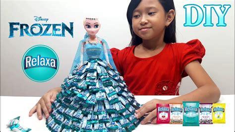 mainan anak boneka elsa frozen membuat baju elsa dari permen relaxa mainan anak