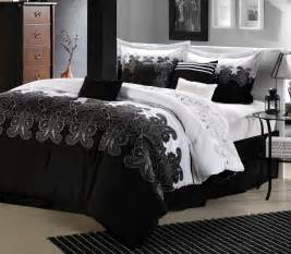 Black And White Accessories For Bedroom The Elegance Of White And Black Bedroom Ideas That You Can