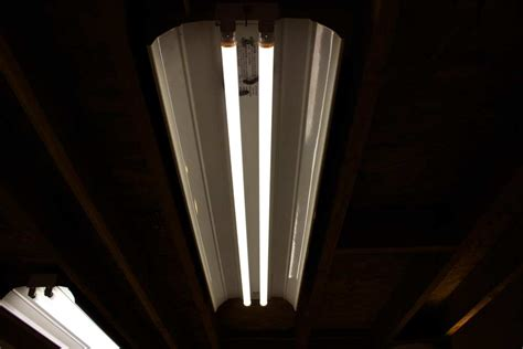 fluorescent lights eye strain fluorescent lighting headaches and eyestrain lighting ideas