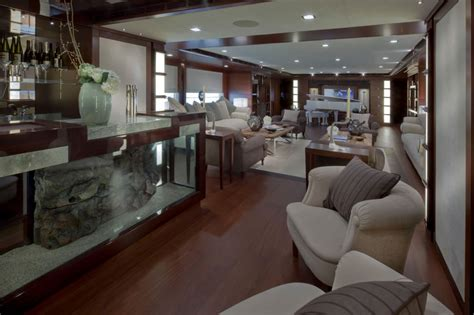 jade megayacht  crn boasts  worlds  floating garage
