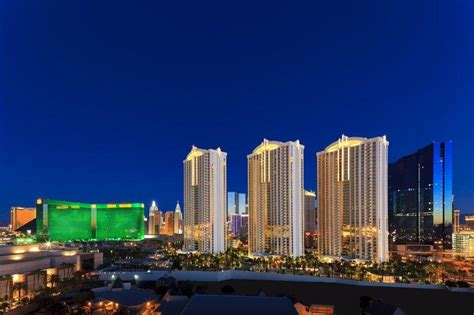 grand address las vegas signature at mgm grand updated 2017 prices hotel