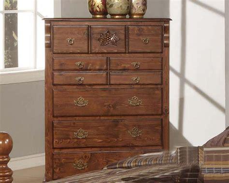 acme furniture bedroom set in walnut finish ac01720aset acme furniture chest in walnut finish ac01726a