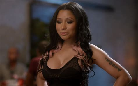 commercial girl rapping nicki minaj stars in t mobile commercial rap up rap up