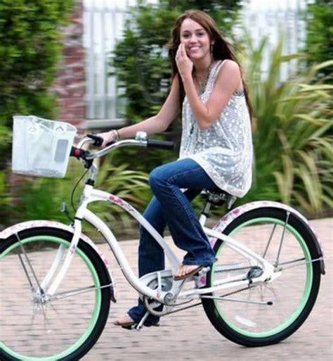 berta monta en bici ranking de miley hace de todo listas en 20minutos es
