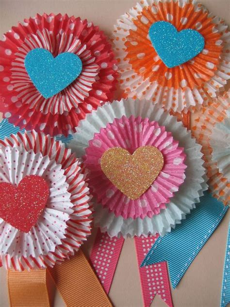 Cupcake Paper Crafts - 25 easy paper projects day cards