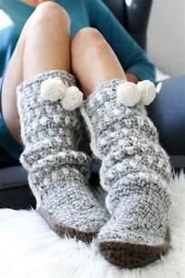 and easy crochet slippers easy crochet slippers free mukluk pattern
