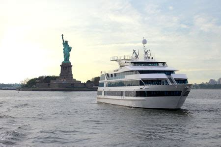 dinner cruise nyc glass boat hornblower cruises nyc