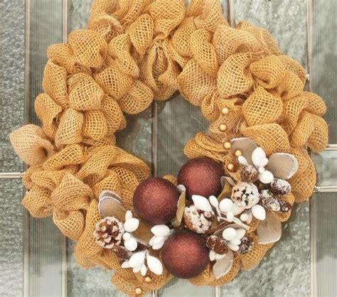 pinecone diy burlap wreath allfreeholidaycraftscom