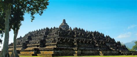 Satu Abad Usaha Penyelamatan Candi Borobudur candi borobudur wisata
