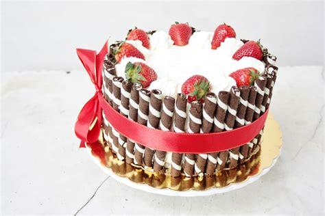 Birthday Cake Recipes by Everything Is Poetry Strawberry Birthday Cake