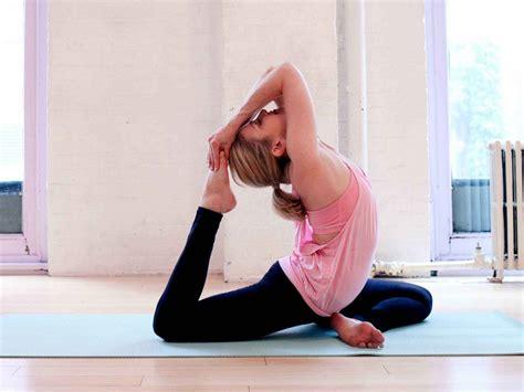 blogger yoga use custom yoga props for getting inner peace