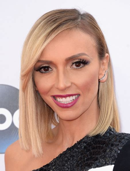 julianna rancic haircut giuliana rancic medium straight cut with bangs shoulder
