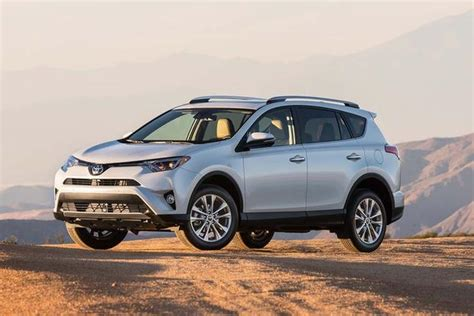 which car is better honda or toyota 2017 honda cr v vs 2017 toyota rav4 which is better