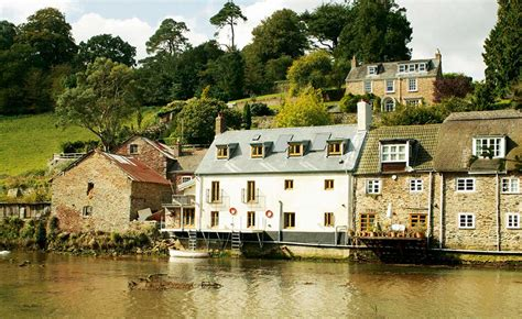 13 tranquil riverside homes homebuilding renovating