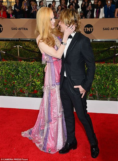 Kidman Celebrates Troubled Husbands Birthday With Watts by Sag Awards 2016 Sees Kidman And Keith Pack On