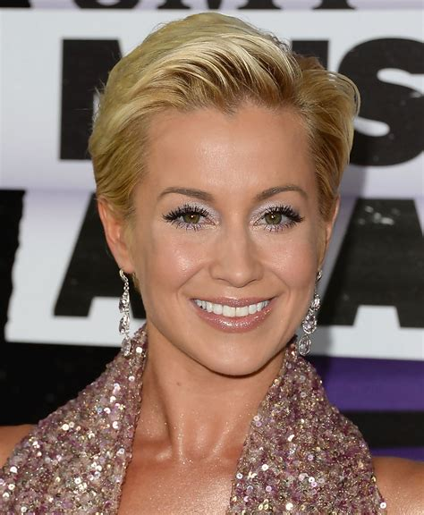 Kellie Pickler Hairstyles by Kellie Pickler Pixie Cut Hairstyle Hairstyle 2013
