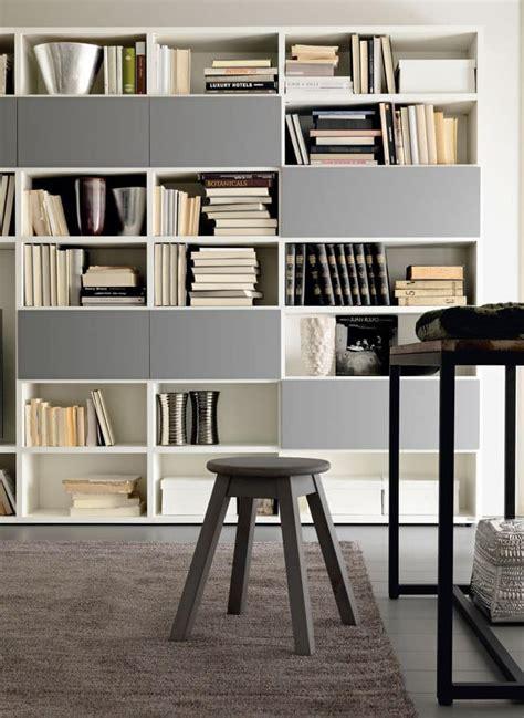 armadi per salotti composizione moderna per salotti con libreria e armadi