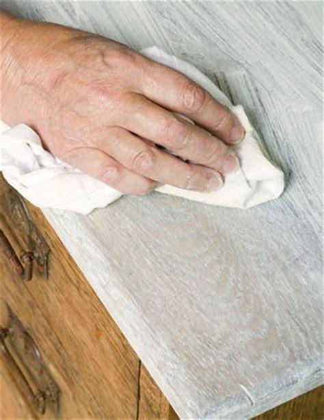 diy chalk paint grainy bringing out the grain in oak using chalk paint 174 revealing