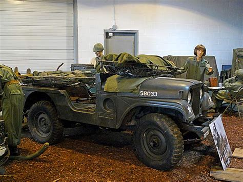 mash jeep 02 willys m38a1 jeep