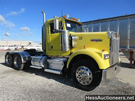 trailers kenworth for sale used 1997 kenworth w900 tandem axle daycab for sale in pa