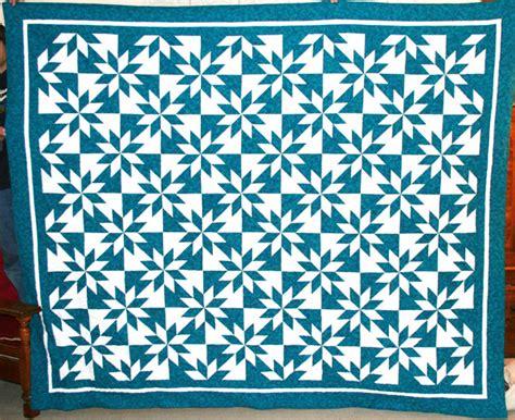 2 Color Quilt by 2 Color Quilt