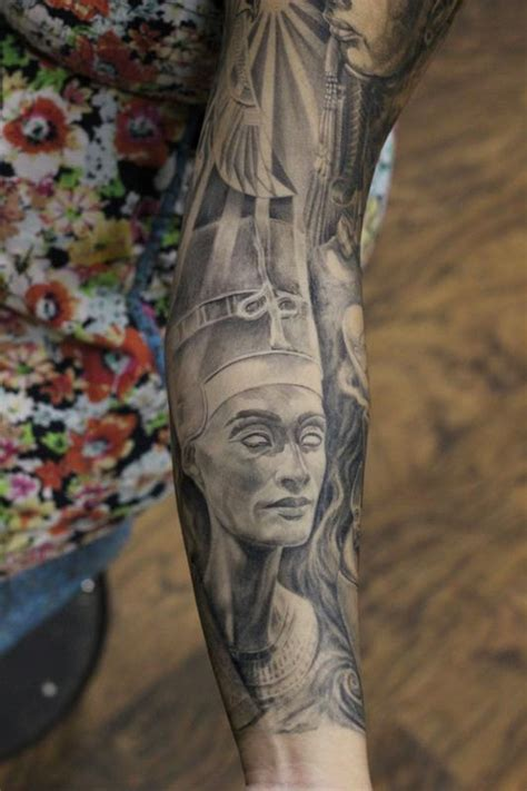 egyptian king and queen tattoo cap1 tattoos tattoos capone nefertiti