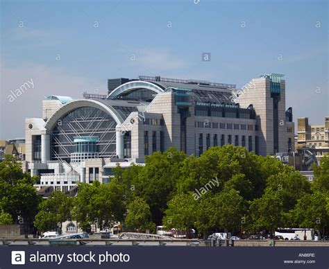 central london hq  pricewaterhousecoopers llp  embankment stock photo royalty