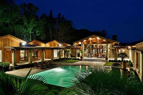 june home country legend kenny rogers auctioning the lake house june