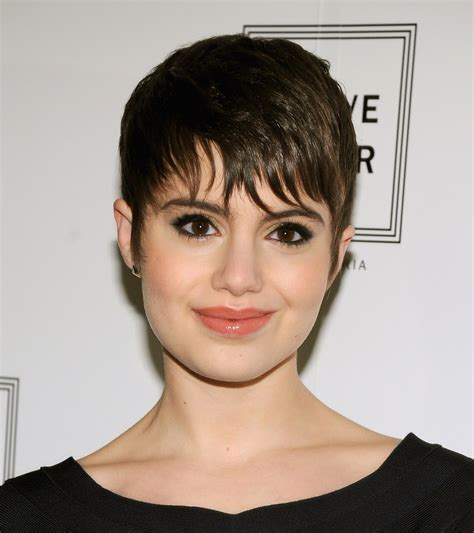 piecey pixie haircut short piecey hairstyles for women hairstylegalleries com